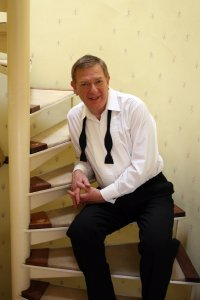 Robert Habermann on stairs 2011 (2)